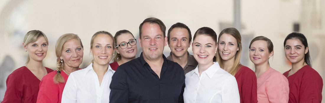Teamfoto Zahnarzt Axel Lorke Würzburg
